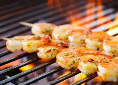 夏季烧烤新花样:三款海鲜烧烤做法
